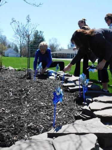 Planting Oneida Pinwheel Garden